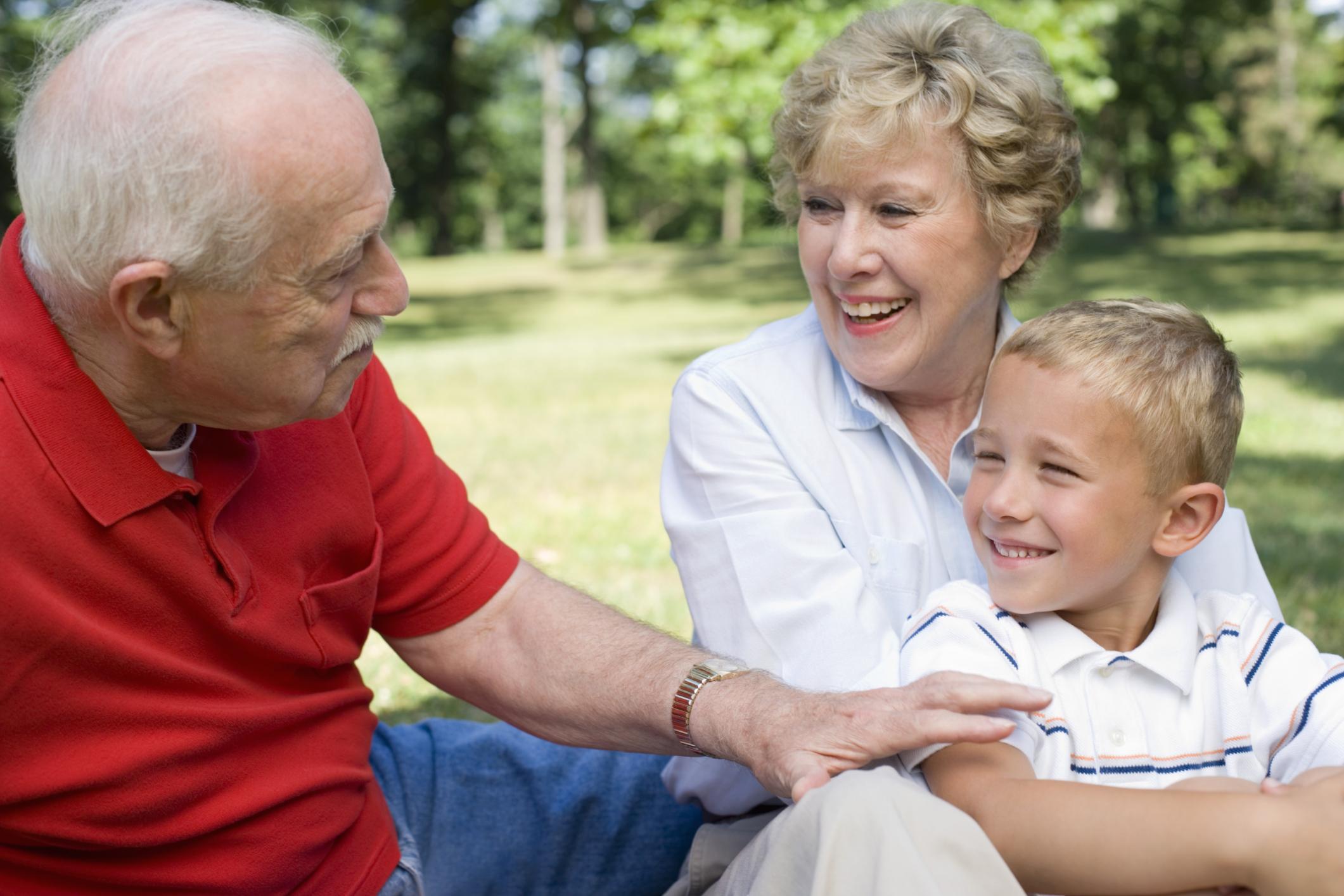дед и бабка и домработница