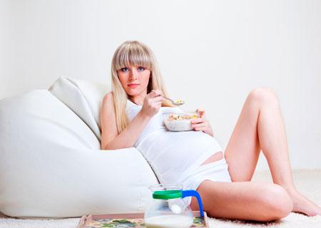 Употребление молока и йогурта во время беременности