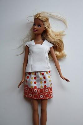 Одежда для кукол своими руками. Простой мастер-класс с фото