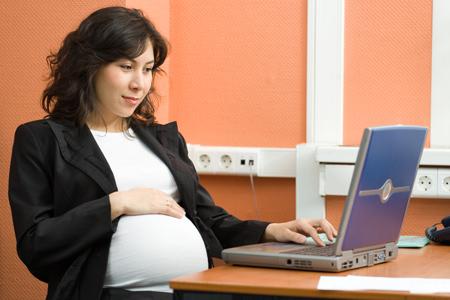 Беременность и работа: от токсикоза до декретного отпуска