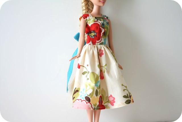 Одежда для кукол своими руками. Мастер-класс: платье для Барби