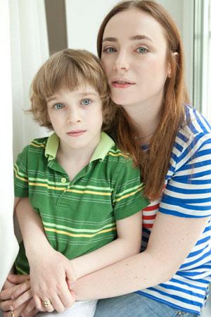Тутта Ларсен с сыном