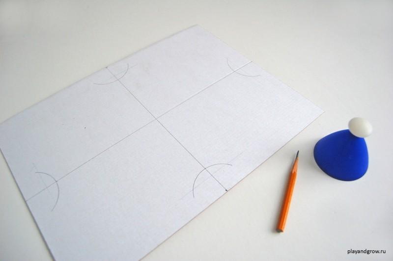 Рамка для детских рисунков своими руками. Стены и мебель целы!