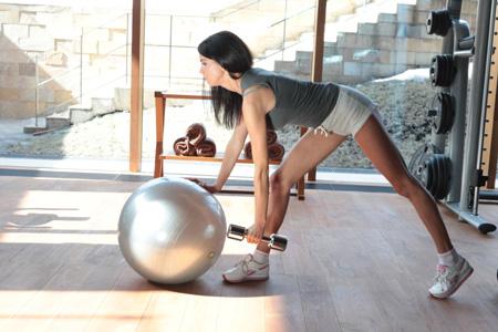 Фитнес для начинающих: тренировка с фото от Дениса Семенихина