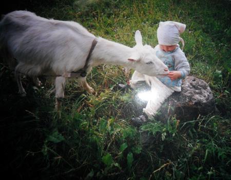 Как научить ребенка ходить? Заведите ''живую игрушку''!