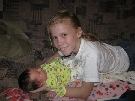 Сестра не хотела переспать с братом 6 фотография