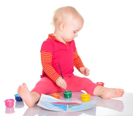 Рисование с малышом: первые игры и занятия. Когда начинать?