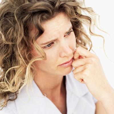ПМС - симптомы и лечение. Кто рискует и что делать?