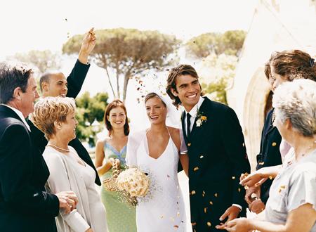 Секс в свадьбе перед людьми на свадебном столе