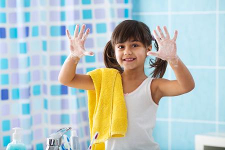 Чем опасны глисты для ребенка