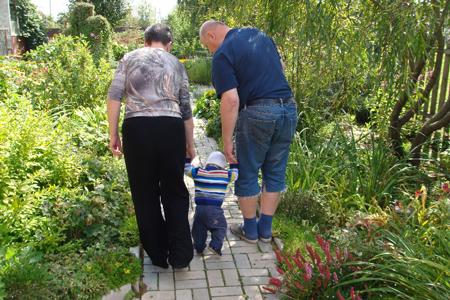 Сын Елизаветы Блиновой с бабушкой и дедушкой