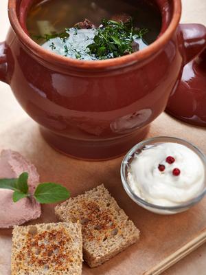 Русская кухня по-новому. 4 рецепта: рассольник, гречотто, кисель и другое