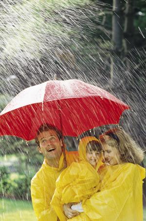 Дождь: только плюсы! Игры и занятия под дождем