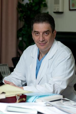 Главный акушер-гинеколог Департамента здравоохранения Москвы, член-корреспондент РАМН, профессор Марк Аркадьевич Курцер