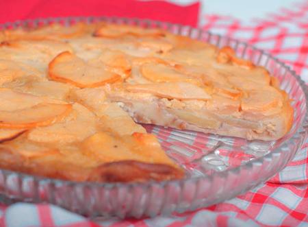 Рецепт пирога с яблоками: блинное тесто и ароматная начинка