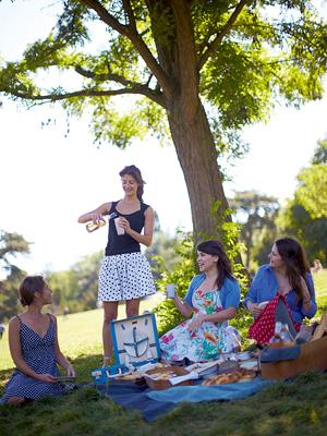 Пикник по-французски: 3 рецепта для завтрака на траве – как в Париже