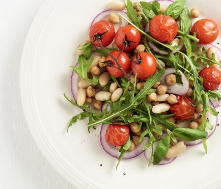 Летний обед - быстро: рецепты с помидорами – суп и сытный салат