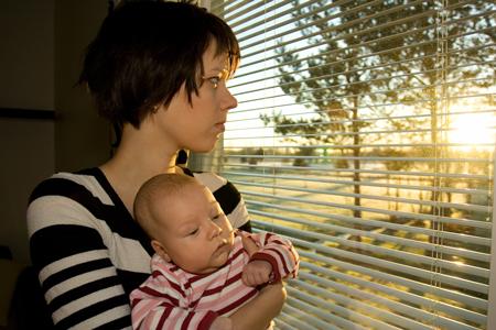 Пособие по беременности – без стажа, а в детский сад – без регистрации? Советы юриста