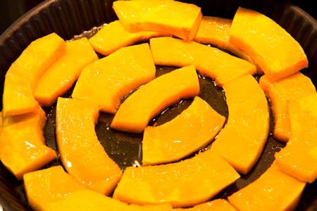 Рецепт пирога с луком-пореем, тыквой и фетой: вкус осени