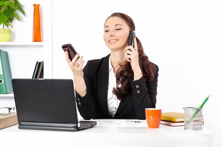 Работа на дому и в офисе. Телефон и e-mail: как использовать?