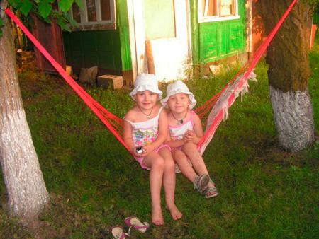 Рецепт семейного застолья: деревня, лето, шашлыки
