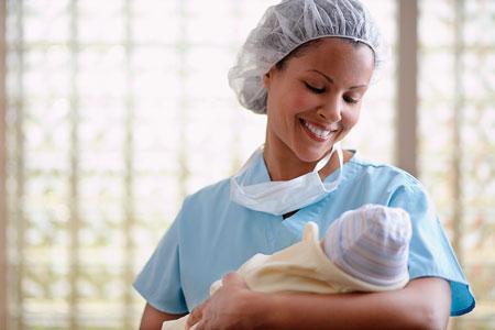 Кесарево сечение: 5 вопросов о родах, операции и ребенке
