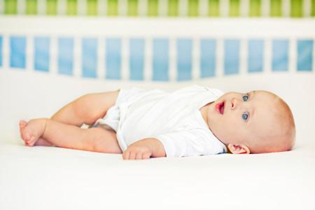 Детская кроватка: люлька, колыбель, манеж – что выбрать?