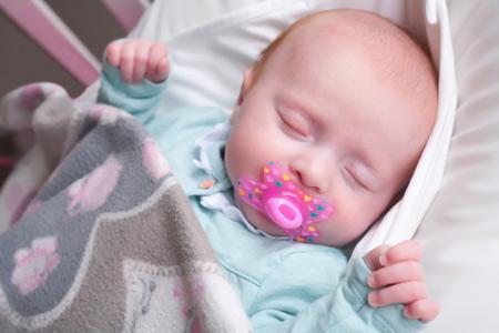 Кожа ребенка: сыпь, пятна, диатез. Как распознать и лечить?