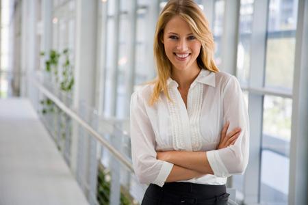 Женщинам: как вести себя на работе с мужчинами? 12 советов