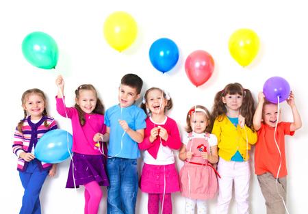 9 фокусов для праздника 8 марта – в детском саду, в школе и дома