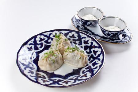 Манты, лагман и еще 3 рецепта узбекской кухни - с мясом и зеленью