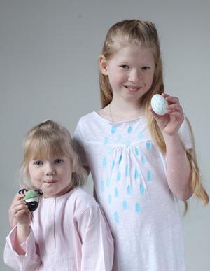 Красим яйца вместе с детьми: нежные орнаменты и пасхальные человечки