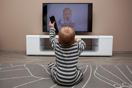 Как влияют электронные приборы на ребенка до трех лет . Детское ...