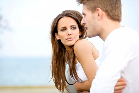 Как правильно перебивать собеседника