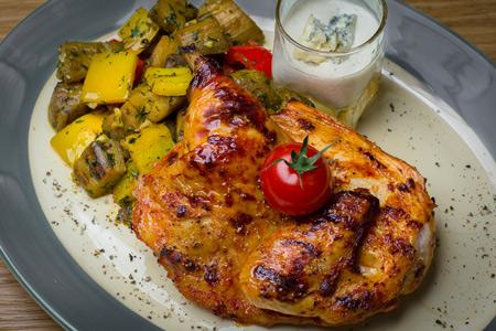 Цыпленок с запеченными овощами