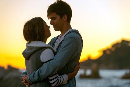 Первая любовь: польза для подростка, трудности для родителей