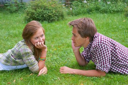 Появляются статьи о том что подростки в сфере сексуальных отношений совершенно