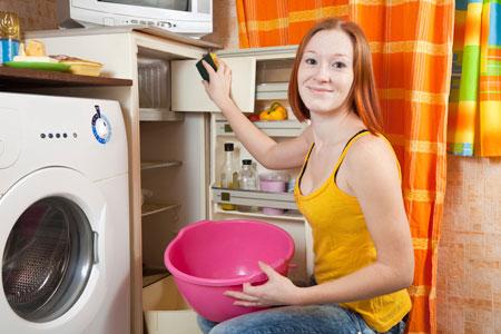 Чистота на кухне и уборка в холодильнике