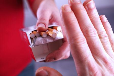 Бросить курить: как? Никотиновый пластырь и еще 5 средств: советы по применению
