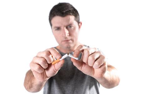 помогает ли никотиновый пластырь бросить курить