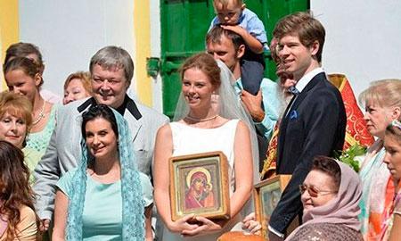 Екатерина Стриженова на венчании дочери
