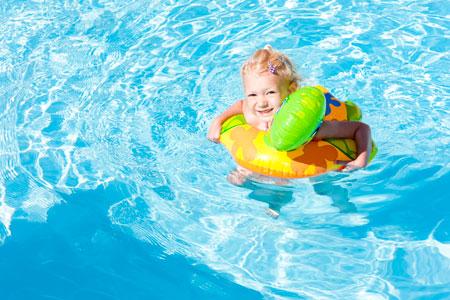 Купание детей летом: безопасный отдых