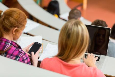 Почему в учебных заведениях стоит запретить гаджеты