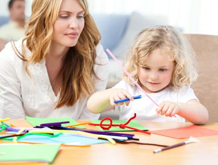 Учим буквы по методике Монтессори: 4 игры для детей