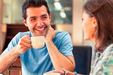 10 правил, как заинтересовать мужчину беседой