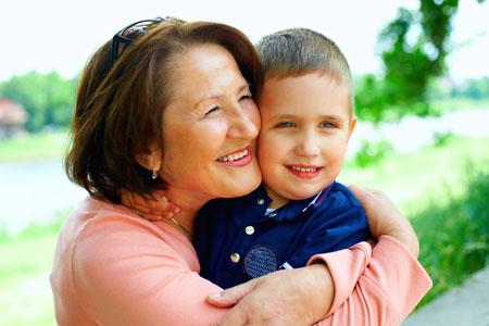 Бабушки, внуки и старые вещи: 2 идеи для лета