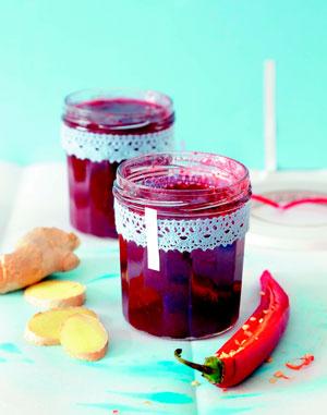 2 рецепта варенья из клубники: с имбирем, перцем чили и базиликом