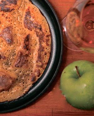 Блины на молоке: нормандский с яблоками и финский с ягодами