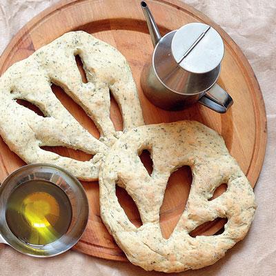 Рецепты хлеба для начинающих: лепешка и хлебные палочки