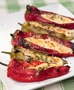 Успеть до зимы! Салат из кабачков и перцы в духовке: 2 рецепта